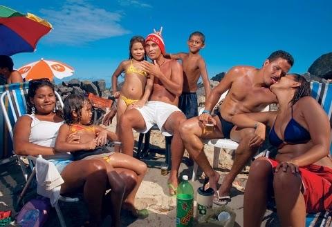 barbara_wagner_brasilia_teimosa_divulgacao_01_site