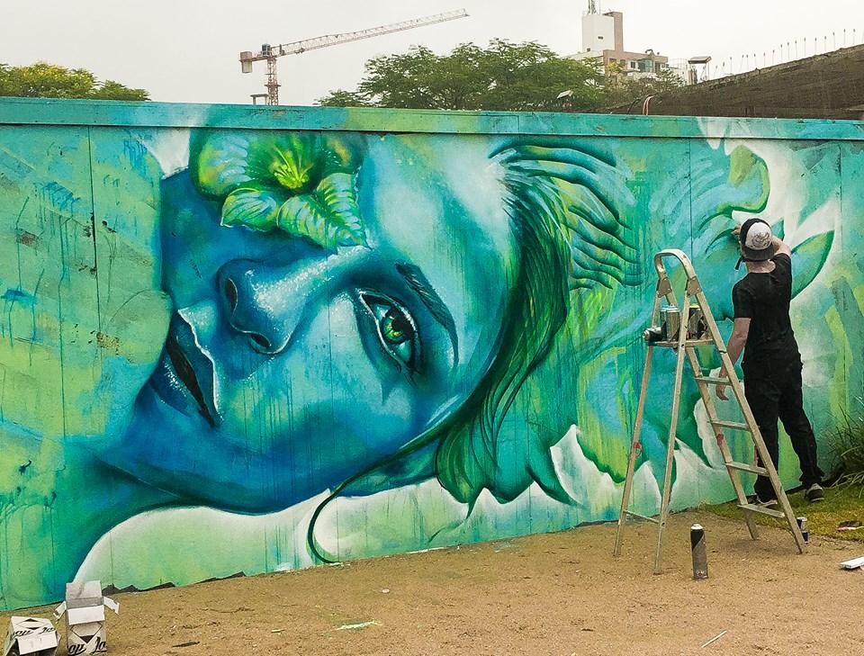 Grafite de Valdi-Valdi coroa de flora na ilha de Florianópolis
