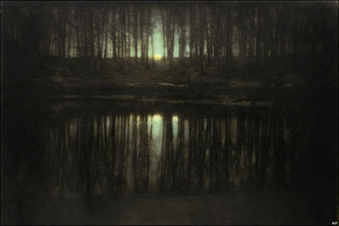 Edward Steichen s The Pond-Moonlight (1904) sold for $2,928,000 in 2006